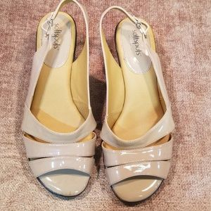 NWOT Softspots Slingback Pumps Nude Patent Leather